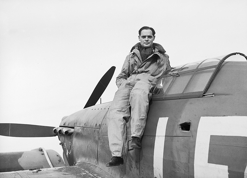 1024px-Squadron_Leader_Douglas_Bader_CO_